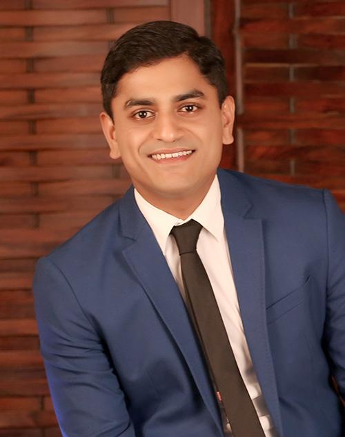 Abhijeet Muzumdar, M.B.A. '04