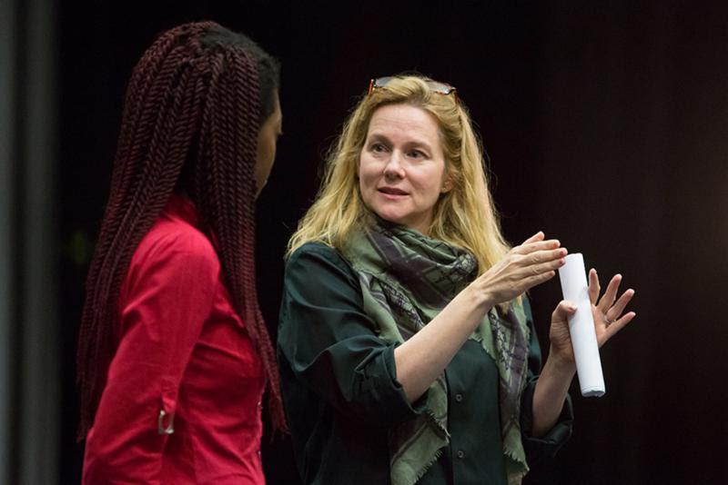 Actress Laura Linney with an Adelphi student.