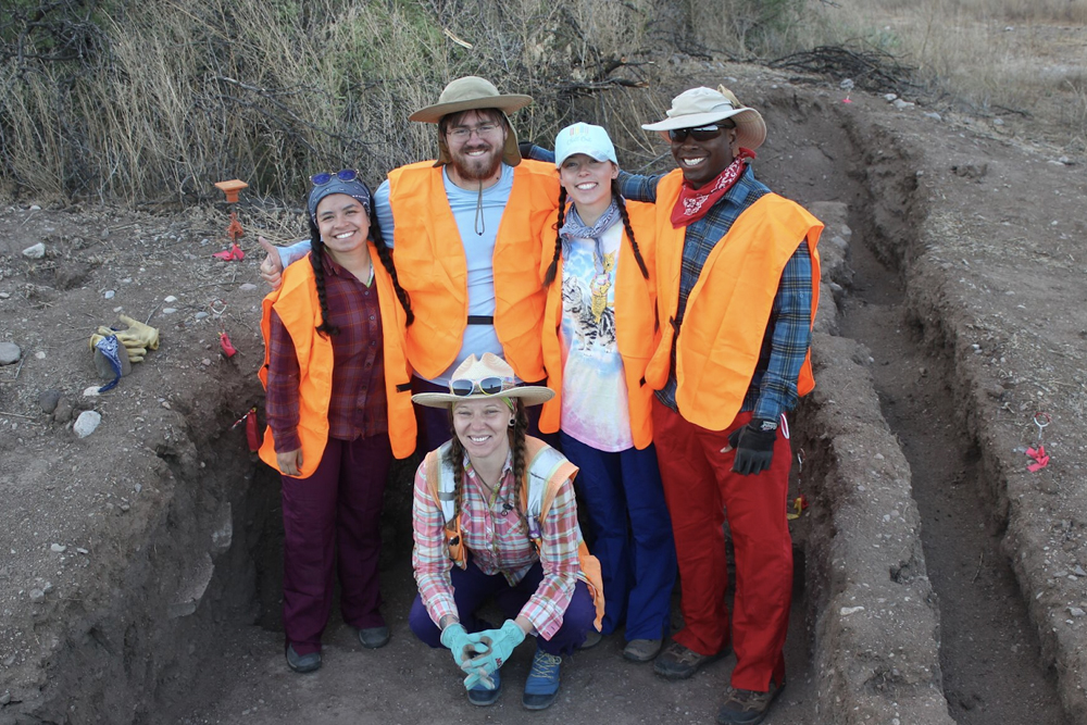 Students at an anthropology dig